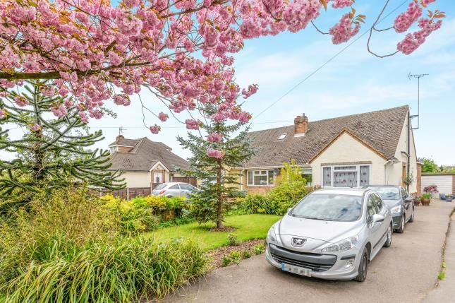 Thumbnail Bungalow for sale in Grove Road, Hitchin, Hertfordshire, England