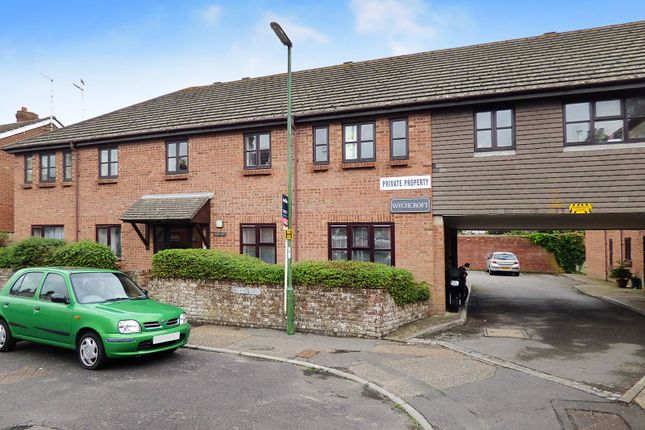 Thumbnail Flat to rent in Linden Road, Littlehampton