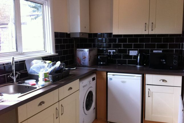 Thumbnail Terraced house to rent in Selby Rd, Romford