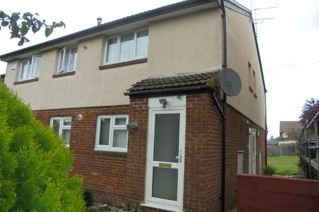 1 bed flat to rent in Highfield Road, Ashford, Kent