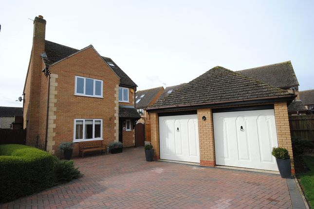 Thumbnail Detached house for sale in Schofield Gardens, Witney