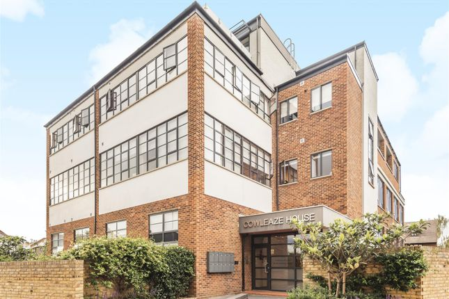 Thumbnail Flat to rent in Cowleaze Road, Kingston Upon Thames