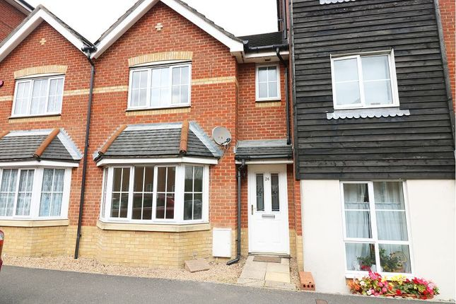Thumbnail Terraced house to rent in Fairview Drive, Ashford