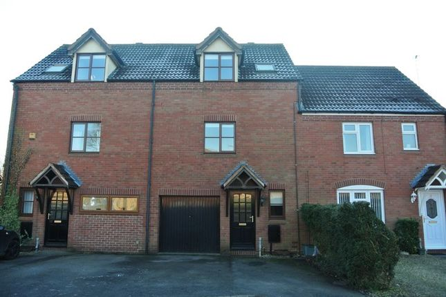 3 bed terraced house for sale in James Way, Hucclecote, Gloucester