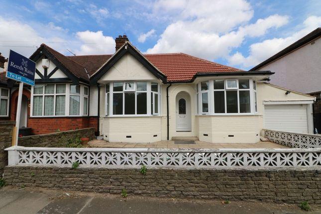 Thumbnail Bungalow to rent in Hamilton Avenue, Ilford