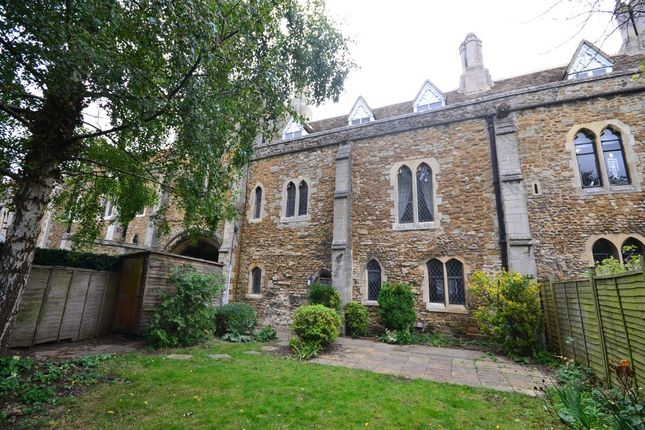 Thumbnail Terraced house to rent in The College, Ely