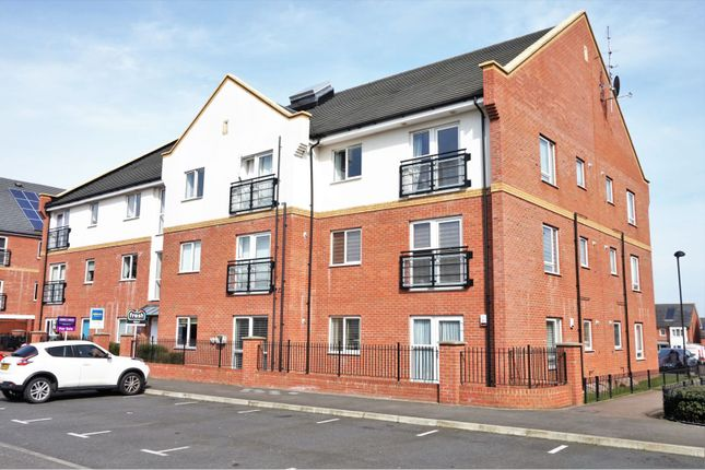 Thumbnail Flat for sale in Brook Mead, Basildon