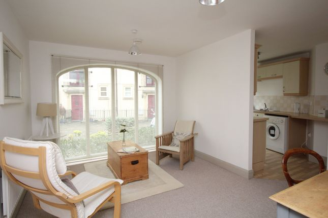 Thumbnail Flat to rent in Chapel Mews, Chippenham