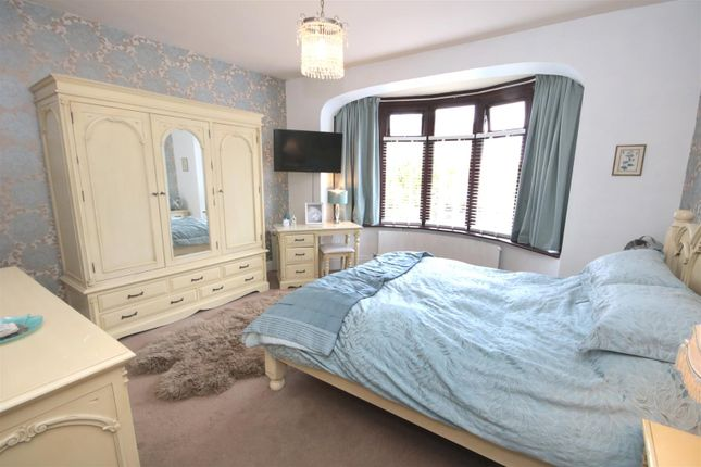 Master Bedroom of The Avenue, Bessacarr, Doncaster DN4