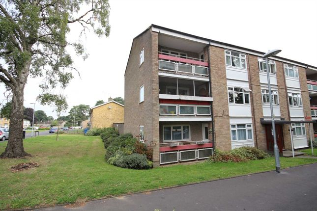 2 bed flat for sale in Segsbury Grove, Bracknell