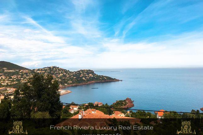 Villa for sale in Saint Raphaël, Provence-Alpes-Côte D'azur, France