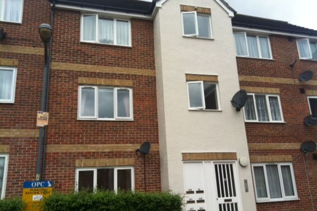 Thumbnail Flat to rent in Goodmayes, Ilford