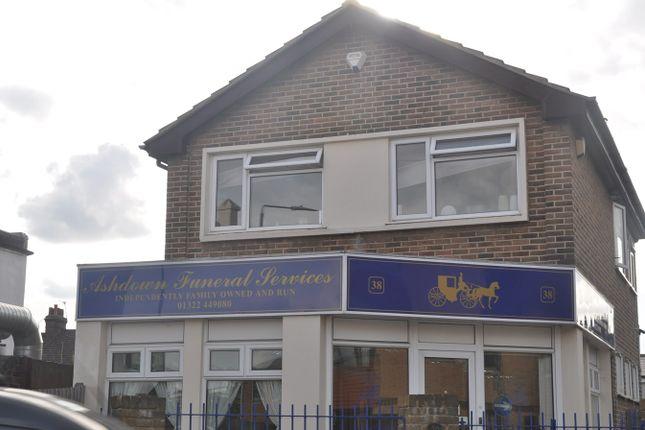Thumbnail Flat to rent in Albert Road, Belvedere