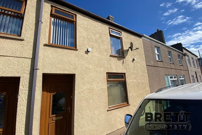 3 bed terraced house for sale in Queen Street, Pembroke Dock, Pembrokeshire. SA72
