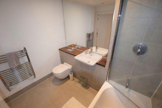 En-Suite of 10 Eythorne Road, Brixton / Oval SW9