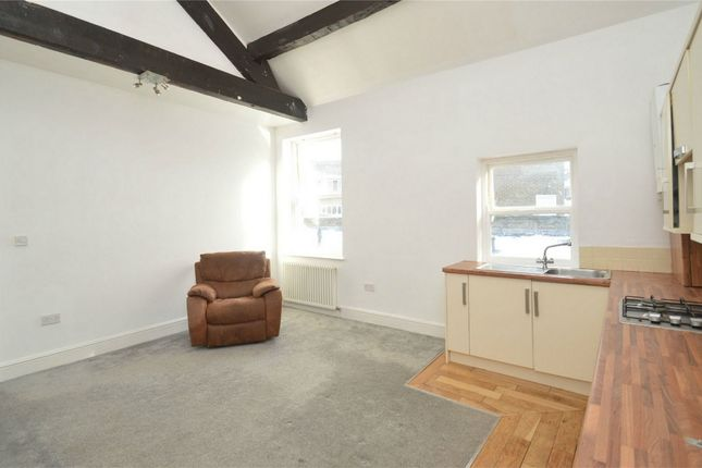 2 bed flat to rent in Palmerston Street, Bollington, Macclesfield, Cheshire, UK