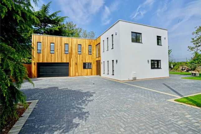 Thumbnail Detached house for sale in Kings Road, St. Neots