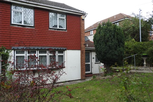 Thumbnail Semi-detached house to rent in Hillcrest Drive, Greenhithe