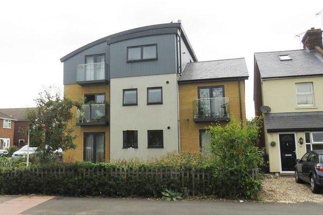 Thumbnail Flat to rent in Great Road, Hemel Hempstead Industrial Estate, Hemel Hempstead