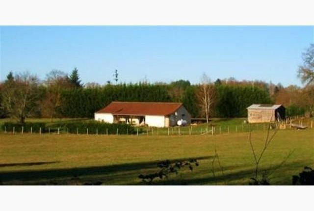 Thumbnail Detached bungalow for sale in Chalus, Châlus, Limoges, Haute-Vienne, Limousin, France