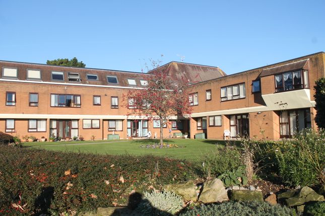 Thumbnail Flat for sale in Guardian Court, Worthing
