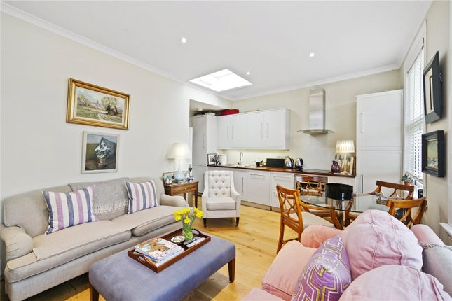 2 bed flat for sale in Munster Road, London