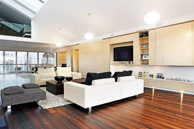 Thumbnail Property to rent in Old Street, London
