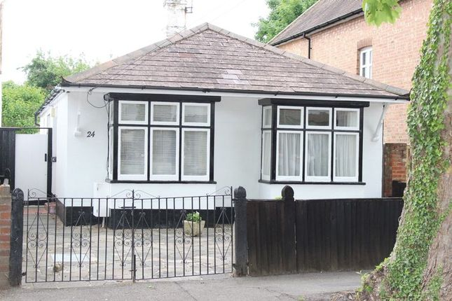 Thumbnail Bungalow for sale in Avenue Road, Staines