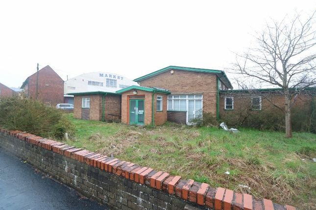 Thumbnail Commercial property to let in Cottage Street, Brierley Hill, West Midlands