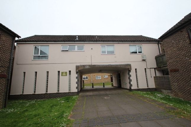 Thumbnail Flat for sale in Paragon Place, Norwich