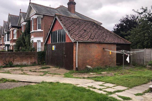 Thumbnail Semi-detached house to rent in Thornbury Avenue, Southampton