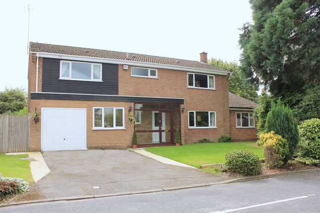 Thumbnail Detached house for sale in Thickthorn Close, Kenilworth