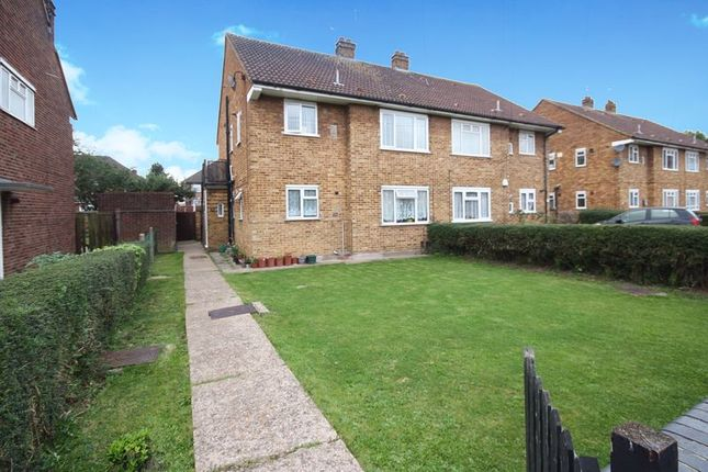 2 bed maisonette for sale in Barnhill Road, Yeading, Hayes UB4