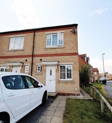 2 bed semi-detached house to rent in Jesse Close, Selby YO8