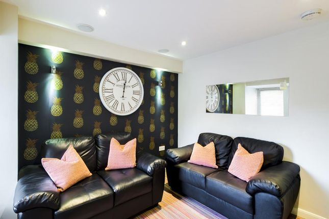 Thumbnail Shared accommodation to rent in Queen Anne Street, Stoke