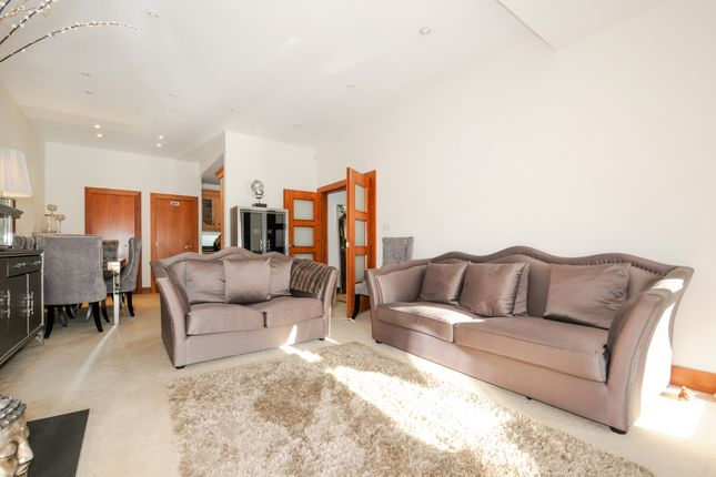 Thumbnail Flat to rent in Post Office Square, London Road, Tunbridge Wells