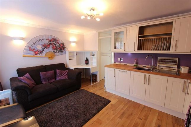 1 bed flat to rent in Hydefield Close, Winchmore Hill, London