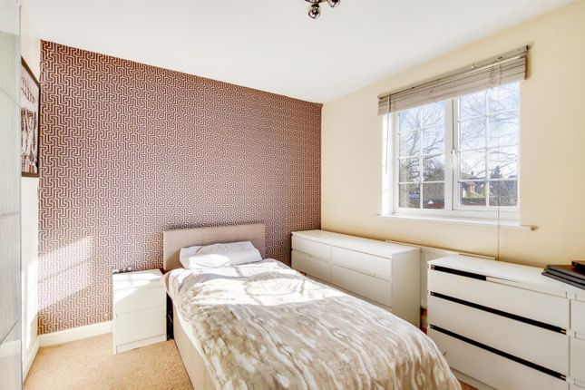 9_Bedroom 3-0 of Carew Close, Chafford Hundred, Grays RM16