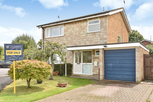 Thumbnail Detached house for sale in Marigold Close, Kempshott, Basingstoke
