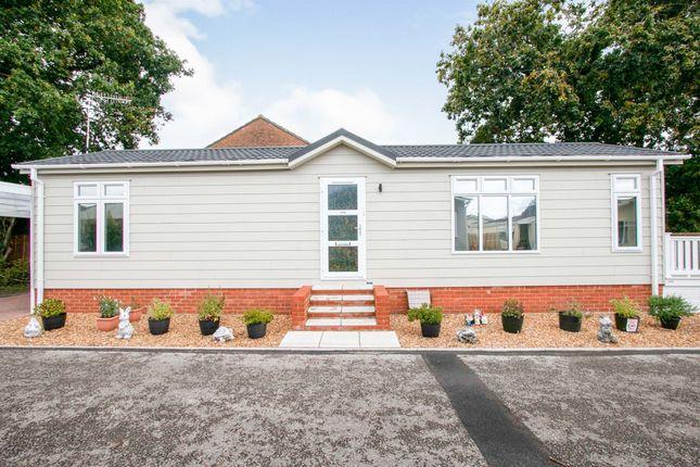Thumbnail Mobile/park home for sale in Hillbury Road, Alderholt, Fordingbridge