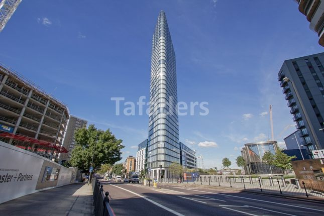 Thumbnail Flat for sale in Chronicle Tower, City Road, London