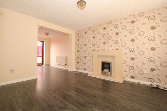 Thumbnail Semi-detached house to rent in Chestnut Gardens, Denton, Manchester