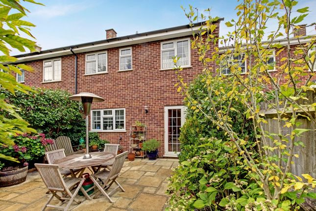 Thumbnail Terraced house to rent in Speen Lodge Court, Speen, Newbury