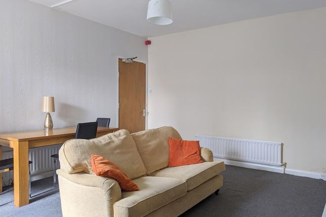 2 bed flat to rent in Newcastle Road, Sunderland SR5