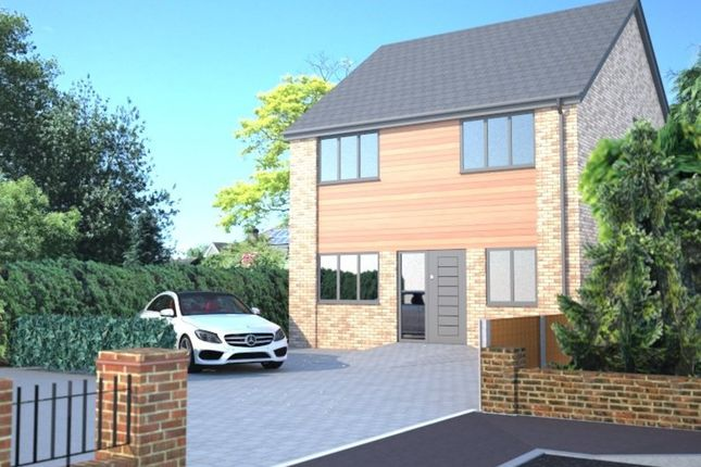 Thumbnail Detached house for sale in Alma Close, Hadleigh, Benfleet
