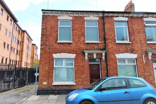 1 bed flat for sale in Green Street, Cardiff CF11