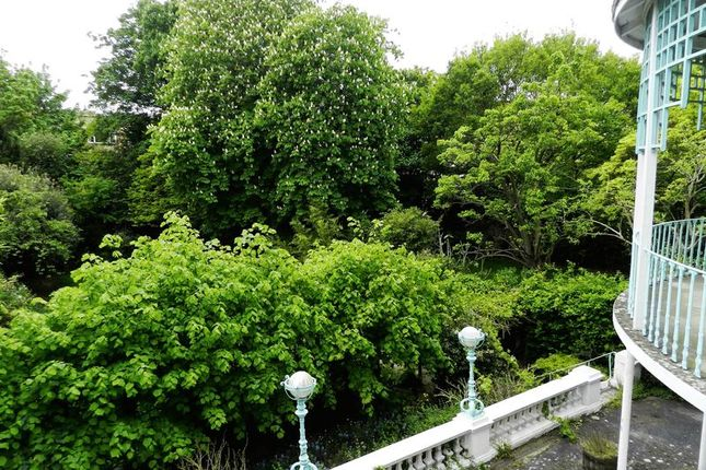 Garden View of Hamilton Terrace, London NW8