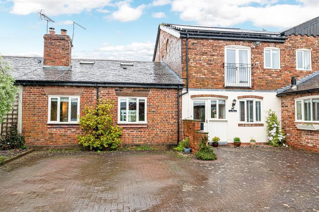 4 bed barn conversion for sale in Manley Road, Kingswood, Frodsham WA6