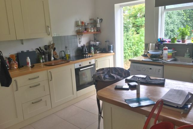 Thumbnail Bungalow to rent in Stanley Avenue, Portslade