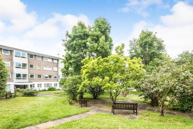 Thumbnail Flat for sale in Southfield Park, Oxford